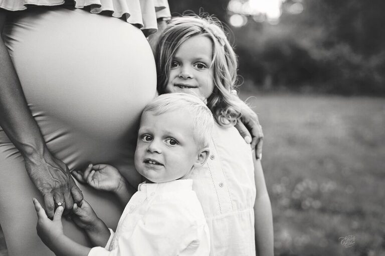 Michigan documentary Photographer, Candid Photographs of love, Tips on photography, Documenting life, Lifestyle photography, Michigan family photographer, Maternity