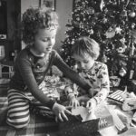 Michigan documentary Photographer, Candid Photographs of love, Tips on photography, Documenting life, Lifestyle photography, Michigan family photographer, December Photos, Christmas